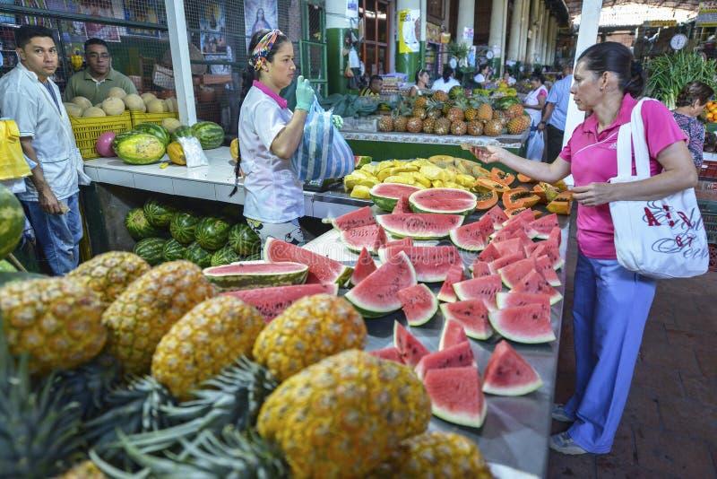Mercado em San Gil, Colômbia foto de stock royalty free