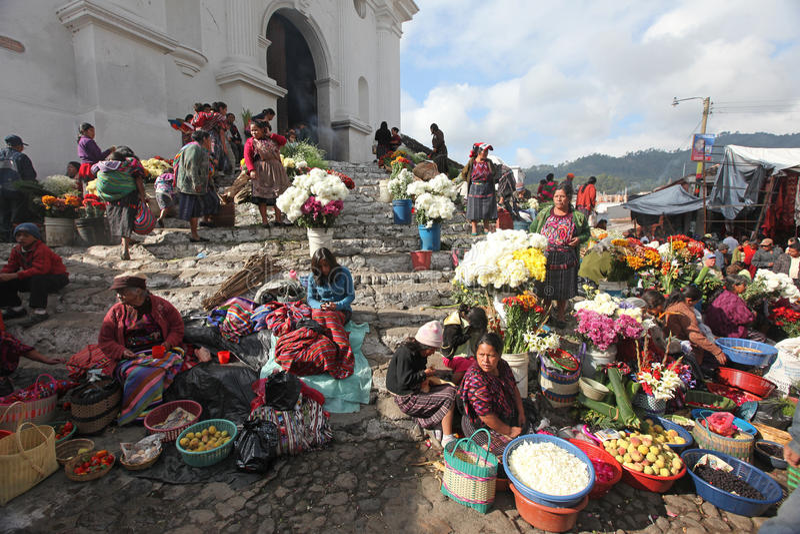 Mercado en Chichicastenango, Guatemala imagenes de archivo