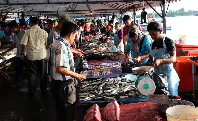Mercado en Kota Kinabalu, Sabah imágenes de archivo libres de regalías