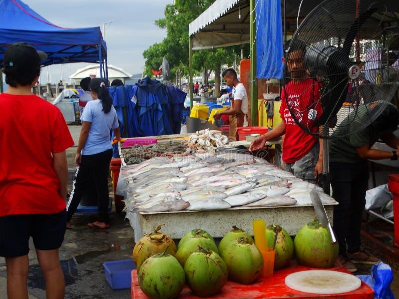 Mercado en Kota Kinabalu, Sabah, Malasia fotos de archivo libres de regalías