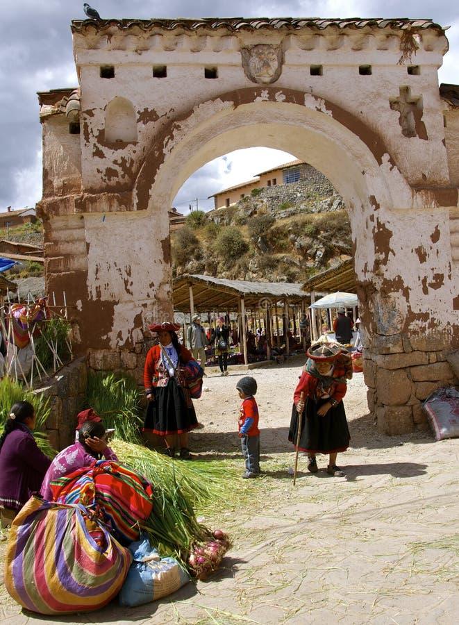 Mercado exterior de Chinchero, Peru imagem de stock royalty free