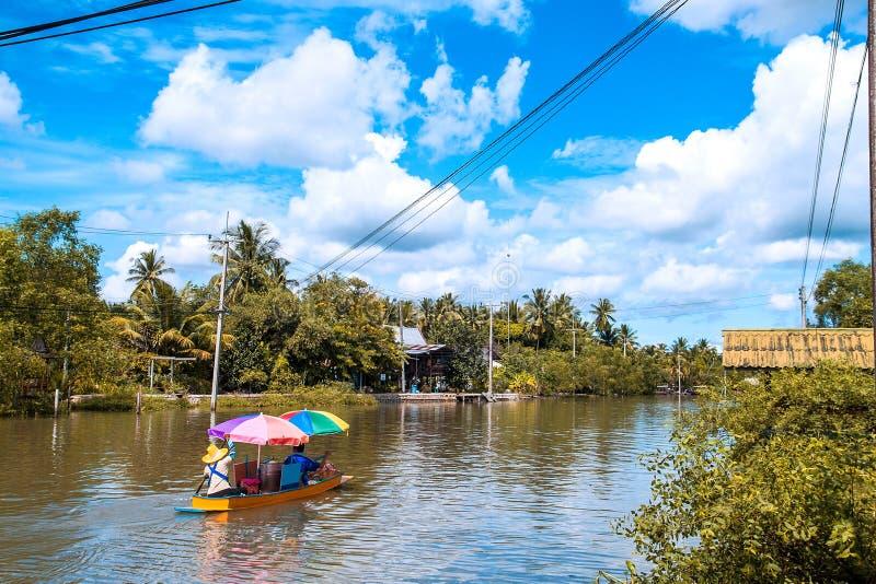 Download Mercado Flotante De Amphawa Imagen de archivo - Imagen de local, plátano: 41920361