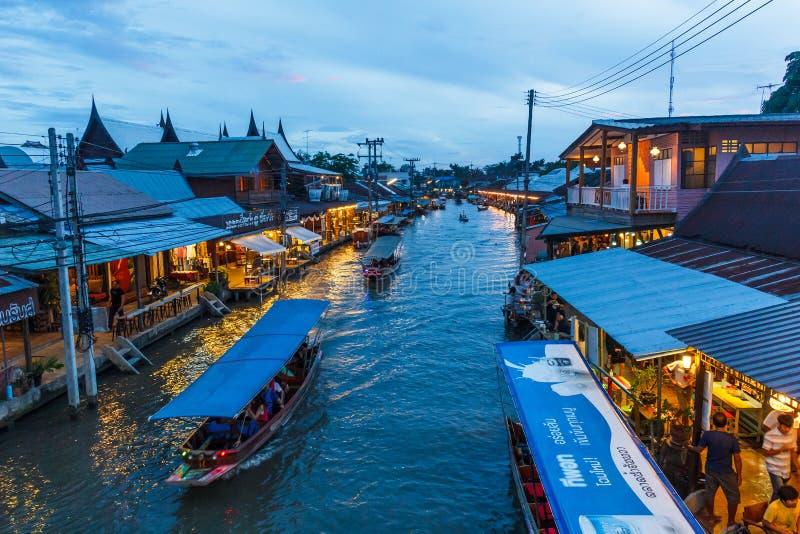 Mercado flotante de Amphawa por la tarde imagen de archivo libre de regalías