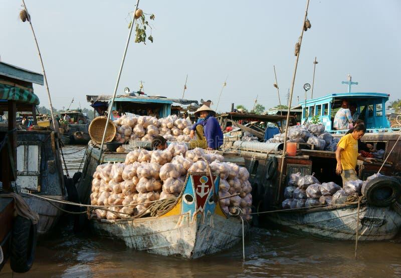 Mercado flotante de Cai Rang, viaje del delta del Mekong imagen de archivo