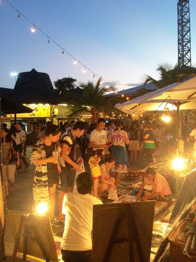 Mercado flotante de Pattaya imagen de archivo