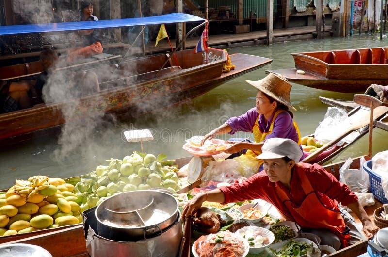 Mercado flotante de Tailandia fotografía de archivo libre de regalías