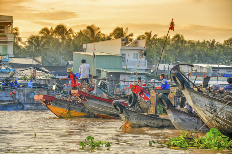 Mercado flotante, delta del Mekong, Can Tho, Vietnam imagen de archivo