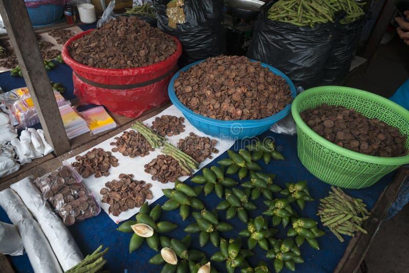 Mercado indonesio colorido foto de archivo