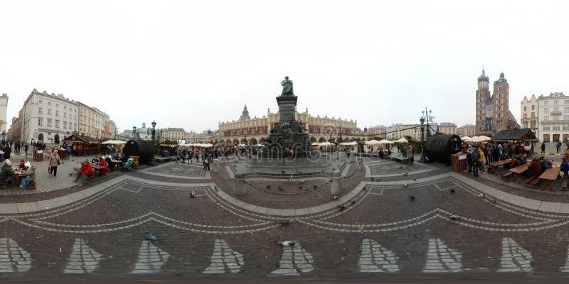 Mercado justo do Natal no quadrado principal no centro da cidade velha imagem de stock