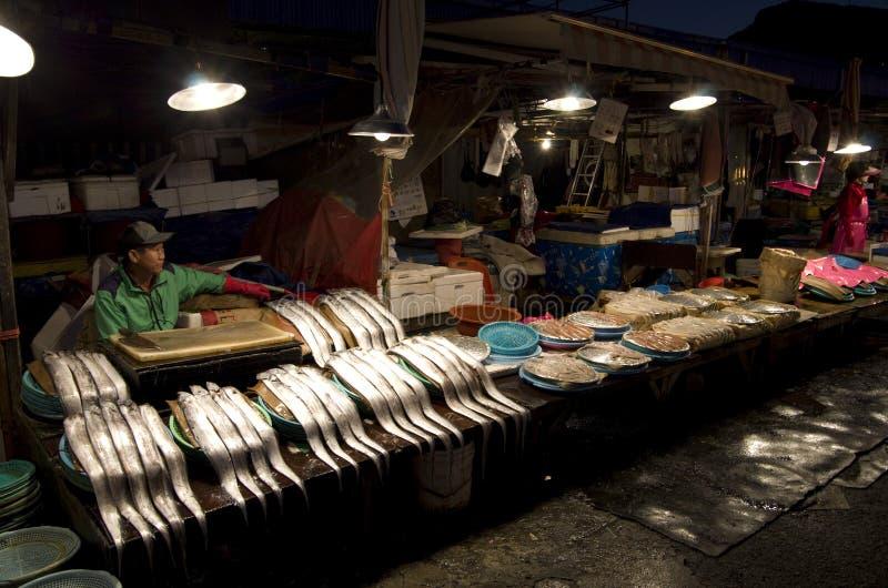 Mercado libre de la noche de los pescados fotografía de archivo