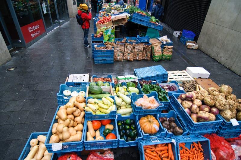 Mercado livre dos bio vegetais de Dublin imagem de stock
