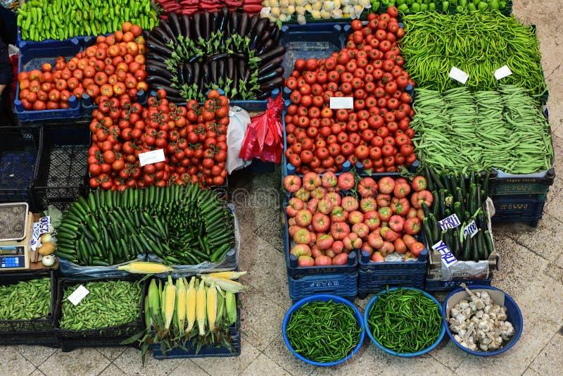 Mercado local de frutas e produtos hortícolas fotos de stock