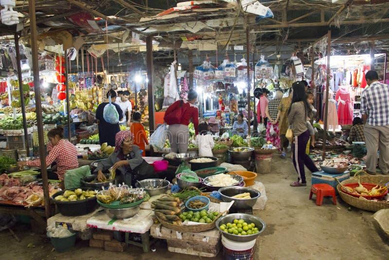 Mercado molhado de Siem Reap Camboja fotografia de stock