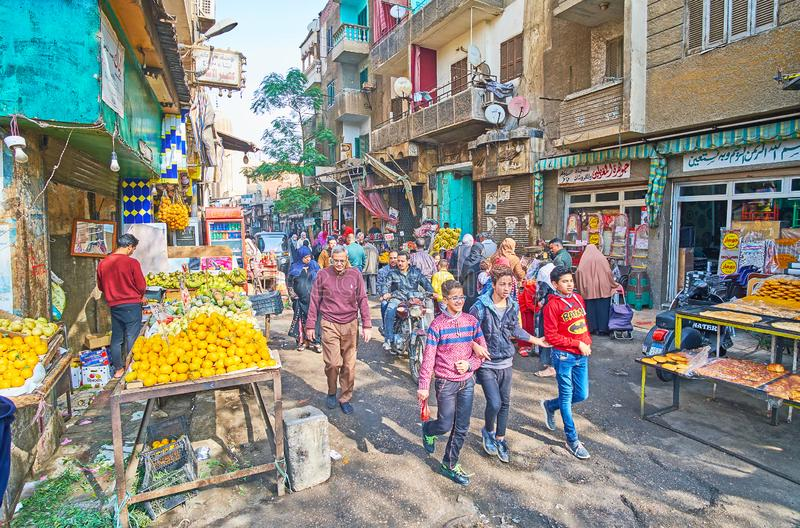 Mercado ocupado do alimento da rua de Al Khayama, o Cairo, Egito fotografia de stock