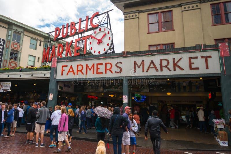 Mercado público del lugar de Pike en Seattle, Washington fotos de archivo