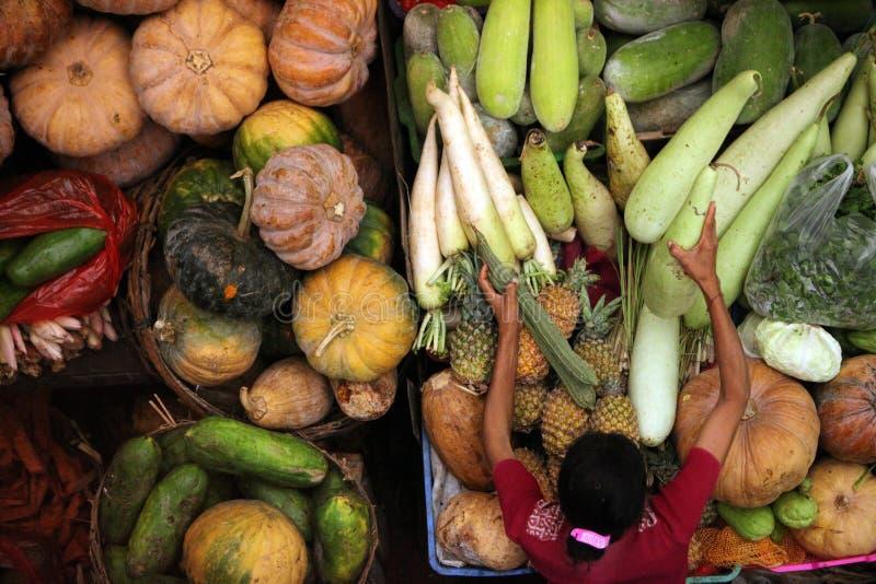 MERCADO PASAR BADUNG DE ASIA INDONESIA BALI DENPASAR fotografía de archivo libre de regalías