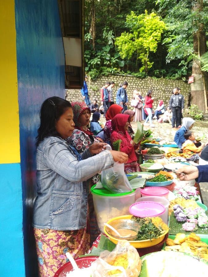 Mercado pequeno da cachoeira do sedudo imagem de stock