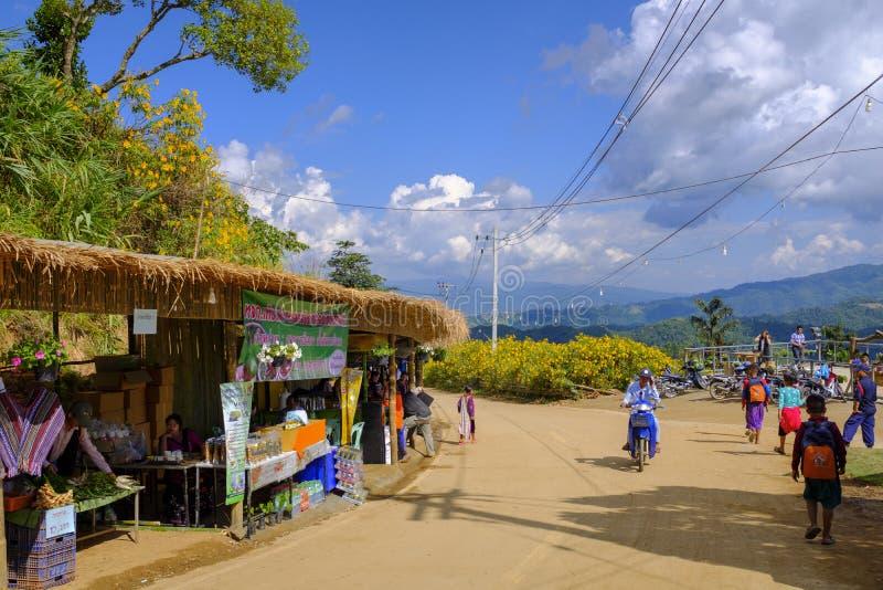 Mercado tailandês tradicional imagens de stock