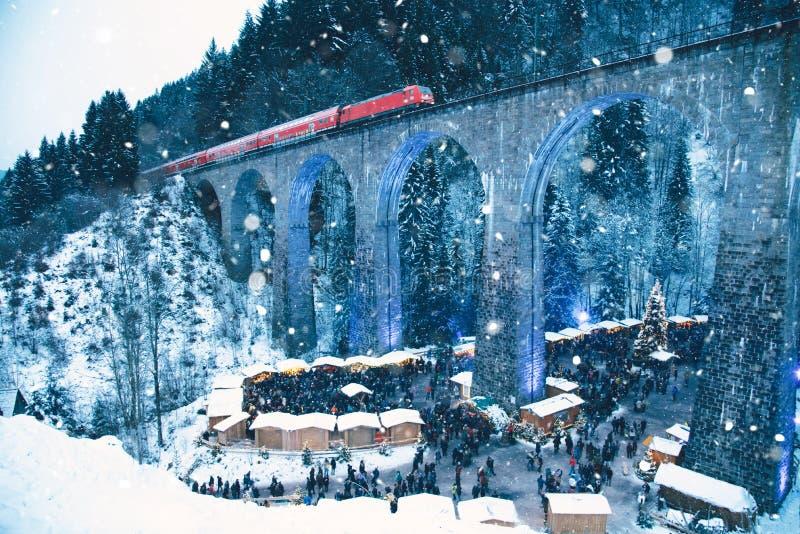 Mercado tradicional do Natal do desfiladeiro de Ravenna, Alemanha fotos de stock