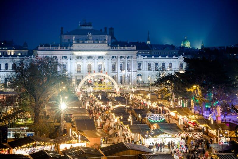 Mercado tradicional do Natal em Viena Áustria fotografia de stock