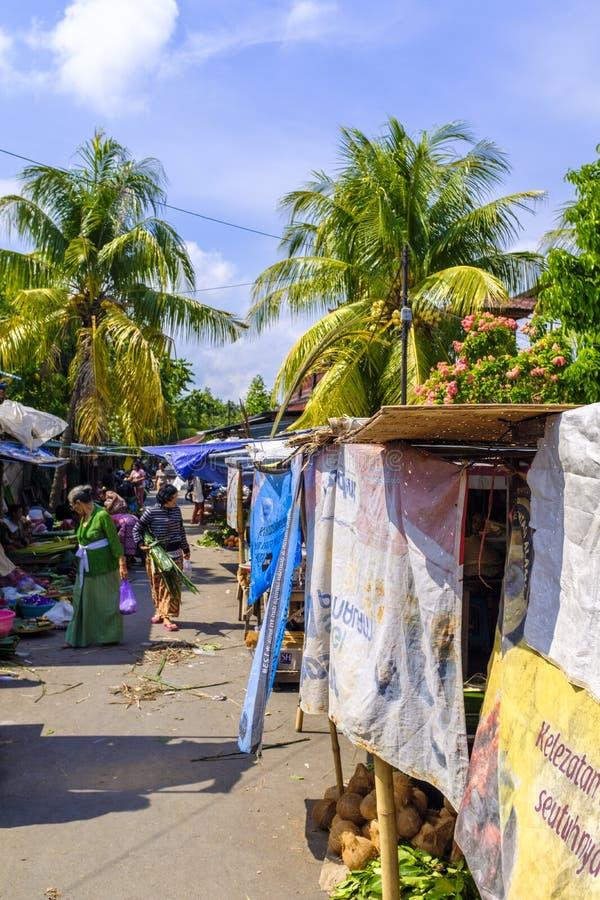 Mercado tradicional en Mataram foto de archivo