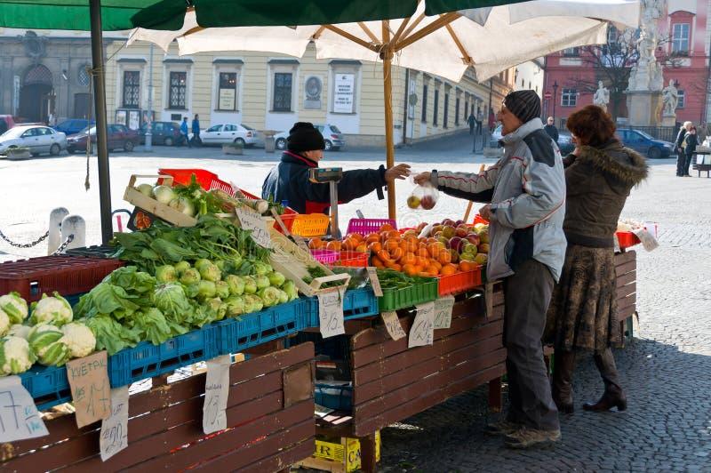 Mercado vegetal en Brno imagen de archivo libre de regalías