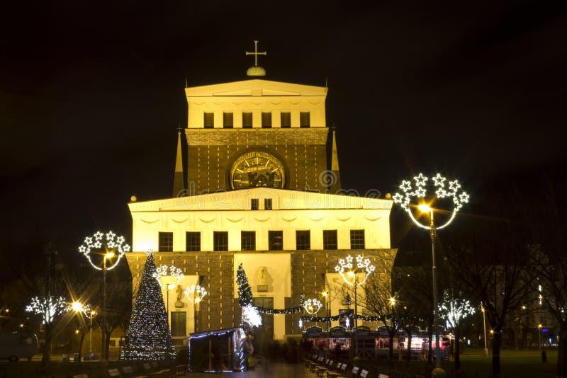 Mercados de la Navidad en rey George de PodÄbrady Sq. fotos de archivo