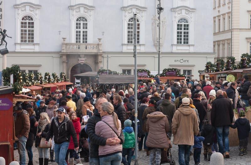 Mercados do Natal no mercado da couve em Brno imagens de stock