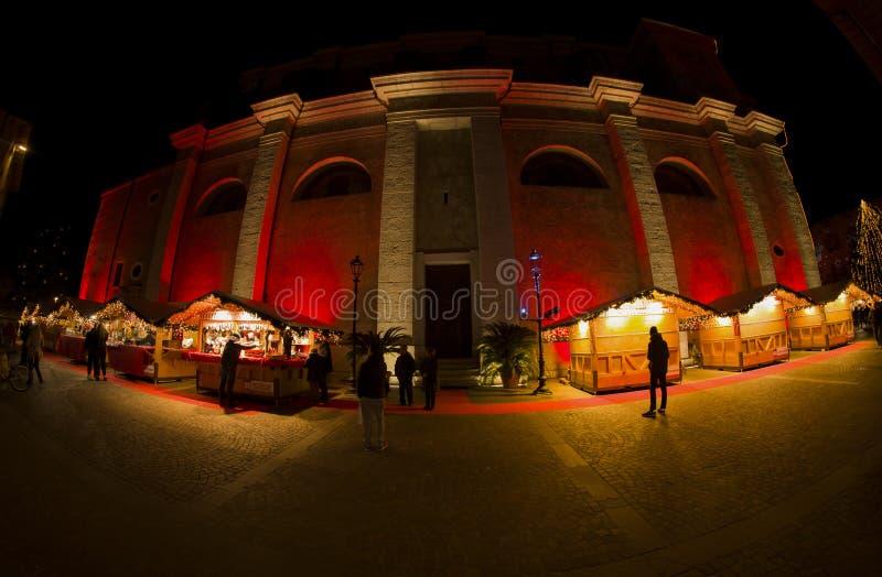 Mercados navideños y decoraciones en el país de Tenno fotografía de archivo