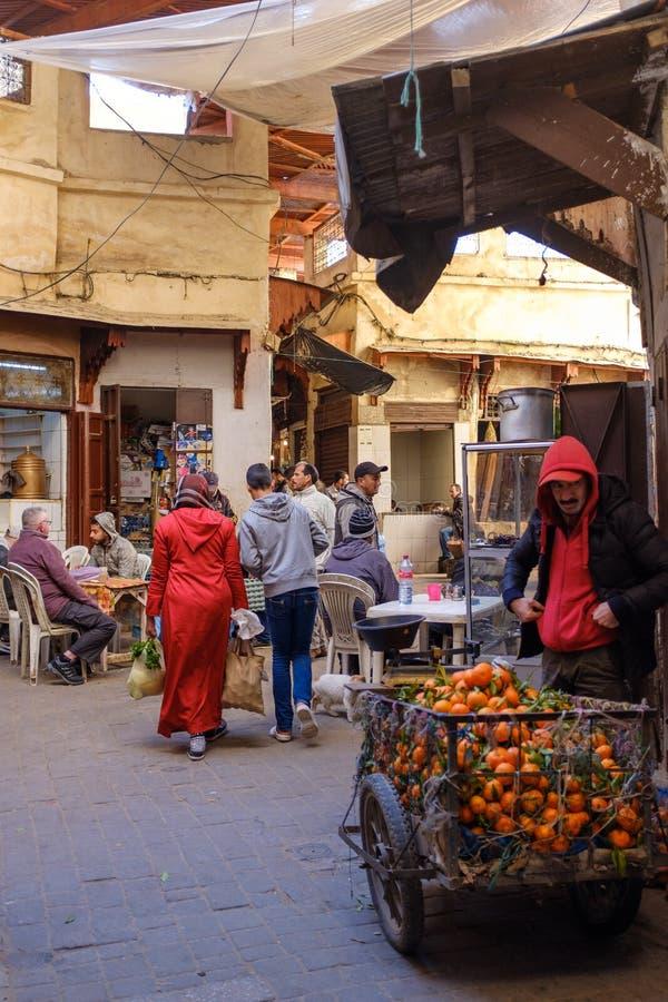 Mercados tradicionais no fez do centro fotografia de stock