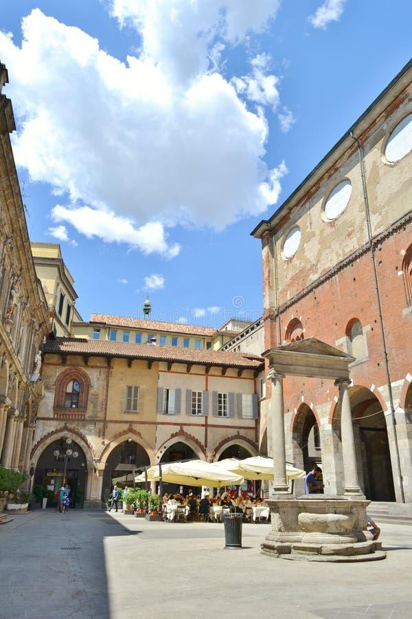 Mercanti-Quadrat, Kaufleute quadrieren, mittelalterliche alte Architektur in Mailand lizenzfreie stockfotos