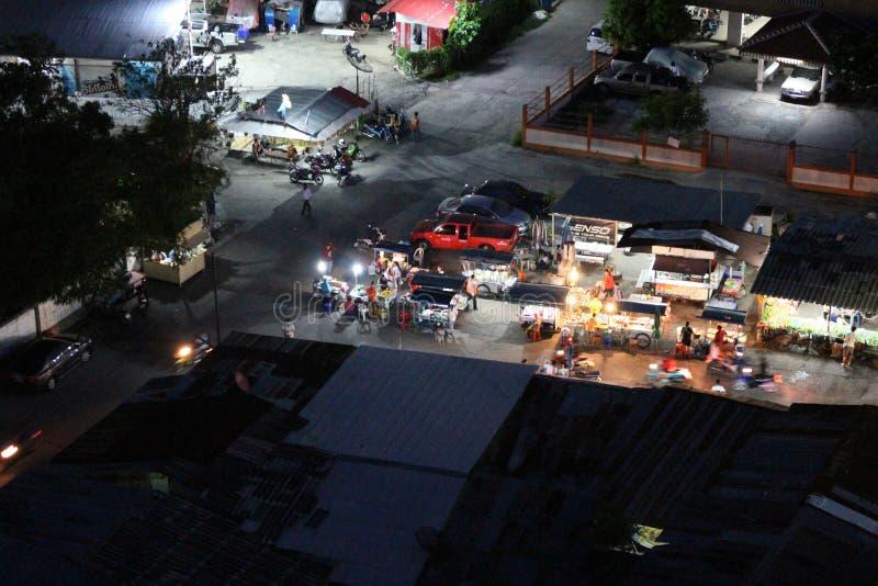 Mercato Bangkok esterna, Tailandia di notte fotografia stock libera da diritti