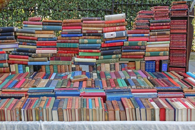Mercato della strada di Portobello dei libri immagine stock