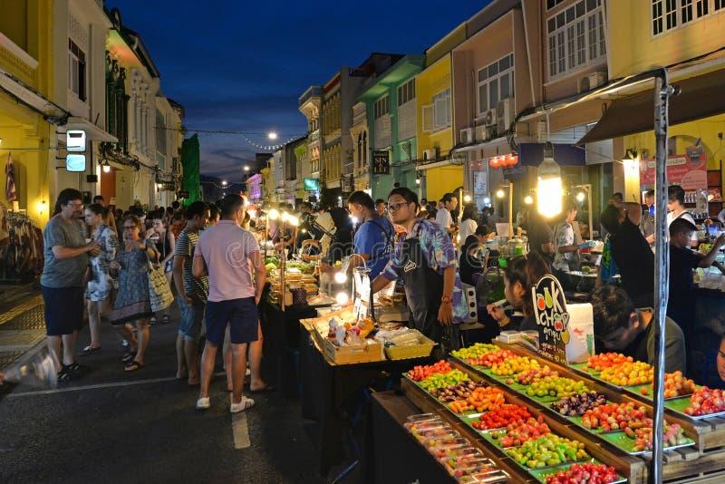 Mercato di fine settimana di Phuket, Tailandia fotografia stock