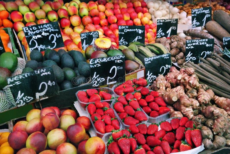 Download Mercato di frutta immagine stock. Immagine di raccolta - 30827163