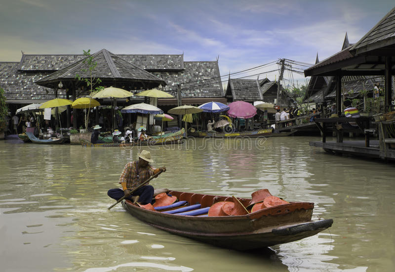 Mercato di galleggiamento di Pattaya fotografie stock libere da diritti