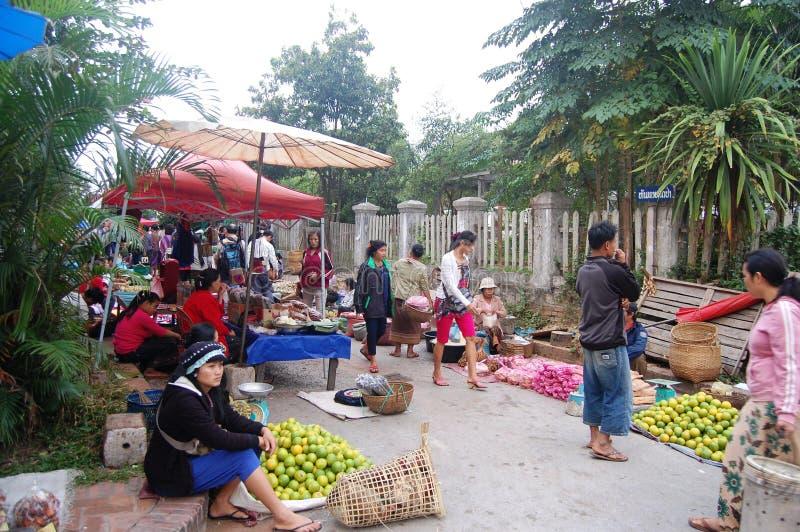 Mercato di mattina in Luang Prabang, Laos fotografia stock libera da diritti
