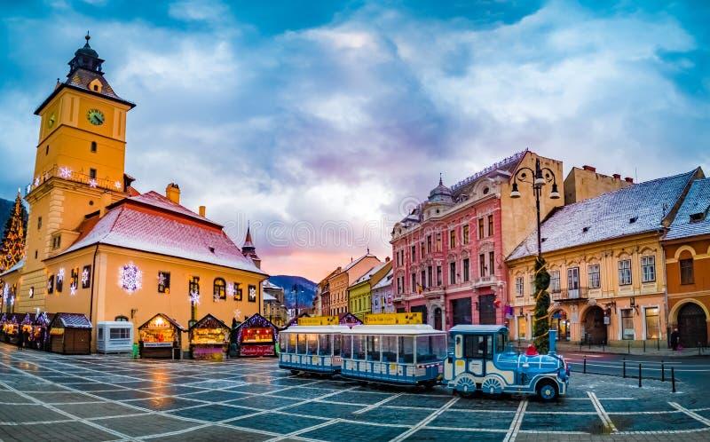 Mercato di Natale in Piata Sfatului, Brasov fotografie stock libere da diritti