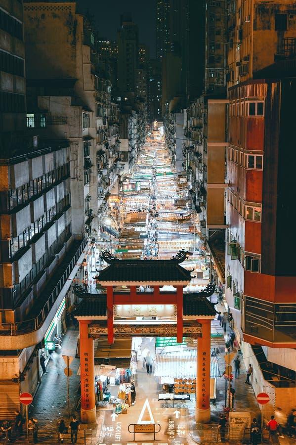 Mercato di notte della via del tempio in Yau Ma Tei immagini stock