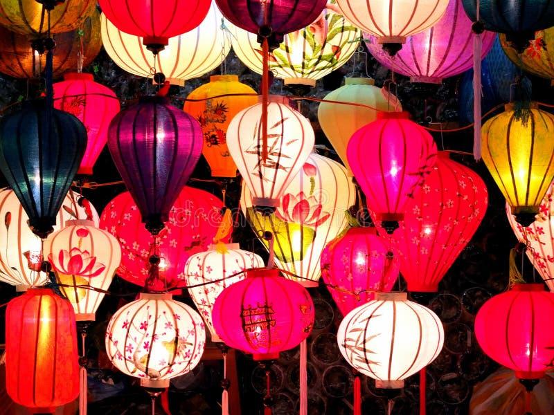 Mercato di notte delle lanterne in HoiAn immagini stock