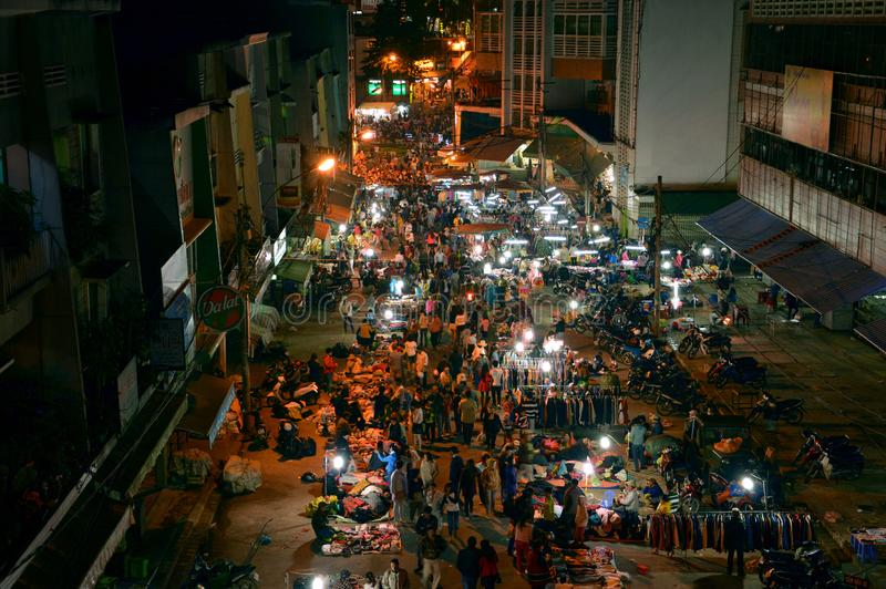 Mercato di notte in Lat del Da, Vietnam immagini stock libere da diritti