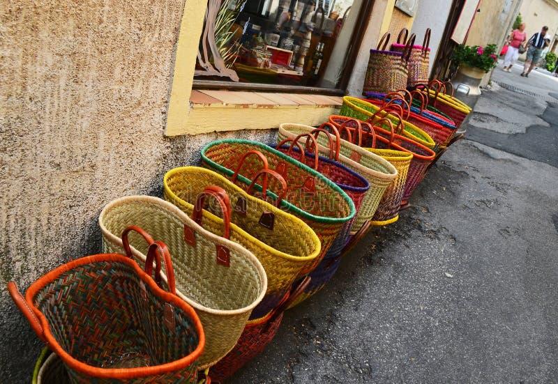 Mercato di strada fatto a mano variopinto del locale del bagsat france immagine stock