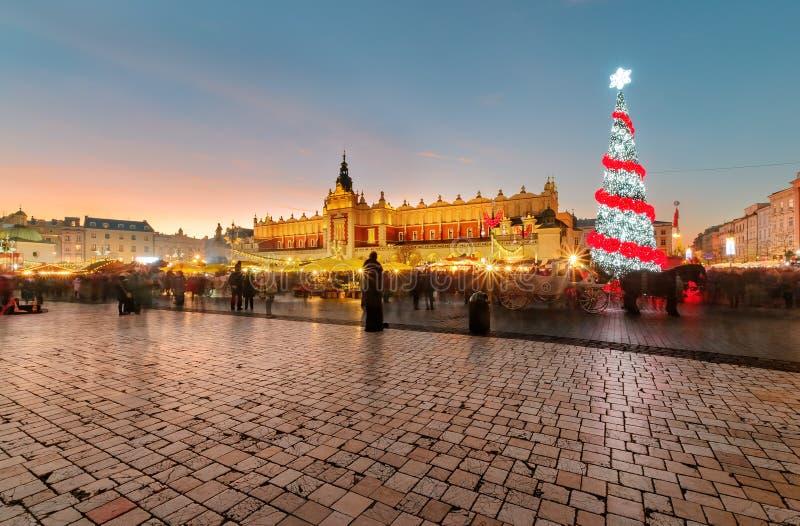 Mercato di strada tradizionale nel quadrato principale del mercato a Cracovia fotografie stock libere da diritti