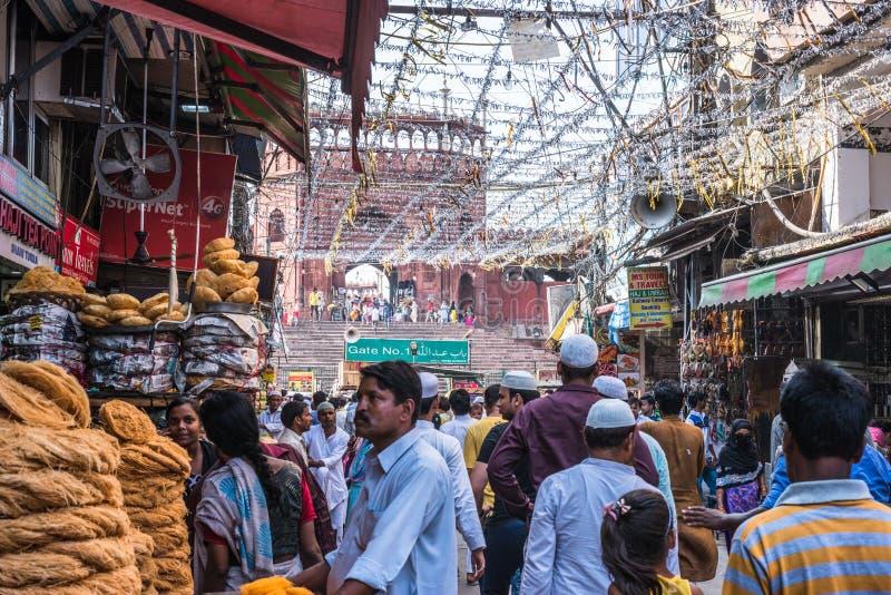 Mercato occupato a Jama Masjid, Delhi, India immagine stock