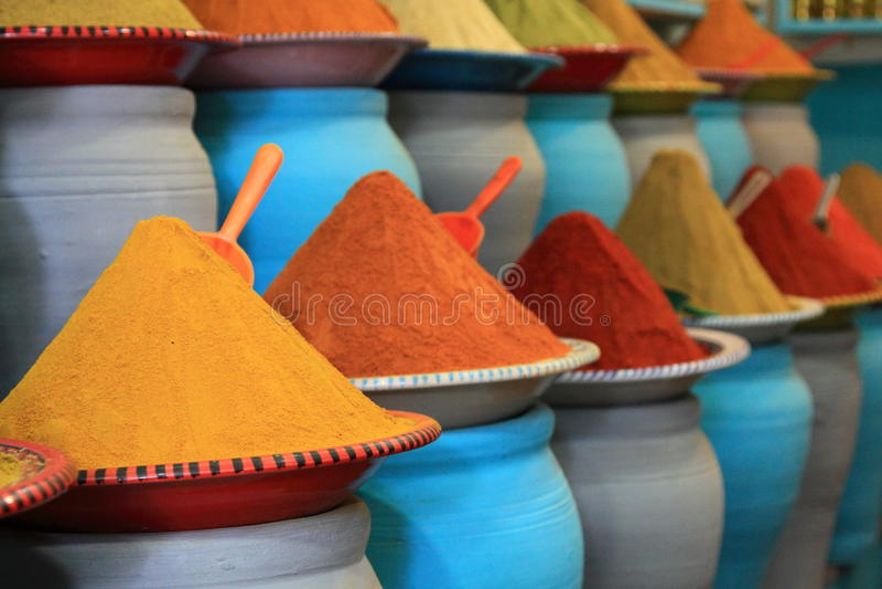 Mercato tradizionale delle spezie nel Marocco Africa fotografie stock libere da diritti