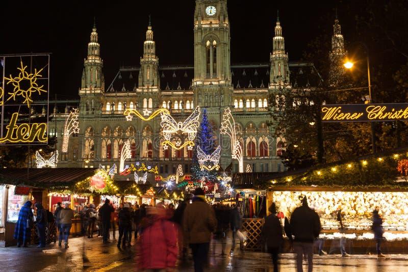 Mercato tradizionale di natale a Vienna fotografia stock libera da diritti