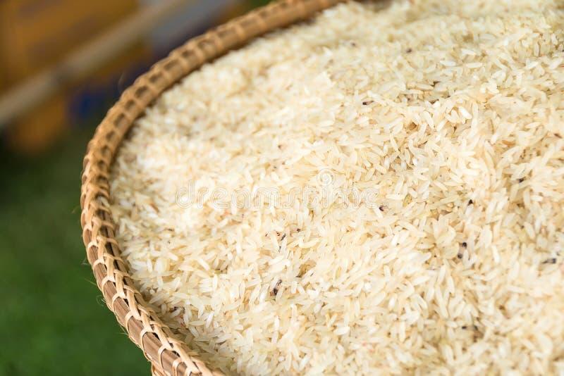 Merce nel carrello del grano del riso immagine stock