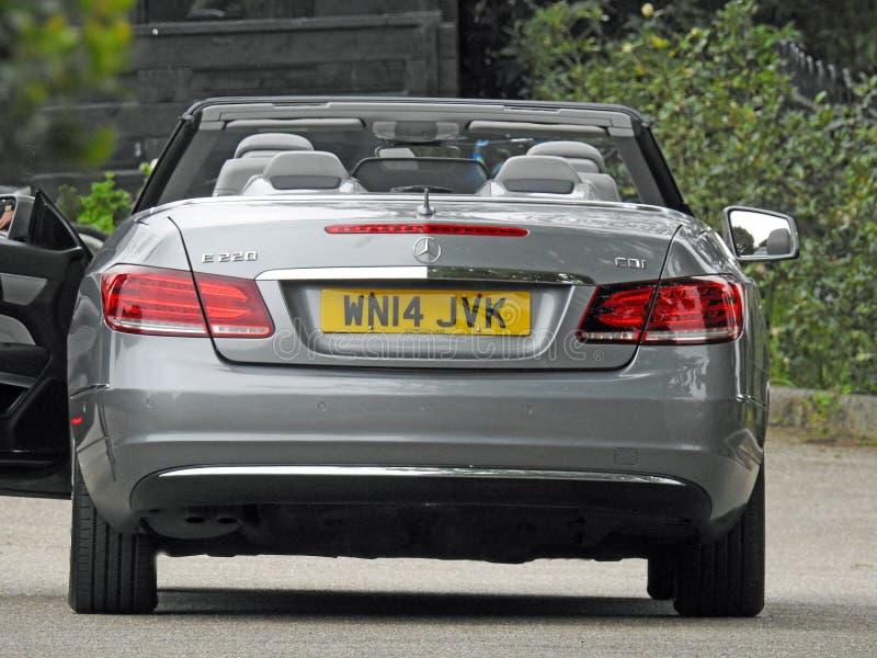 Mercedes-auto's van de luxe Duitse voertuigen van de Benz de convertibele sportwagen stock foto's