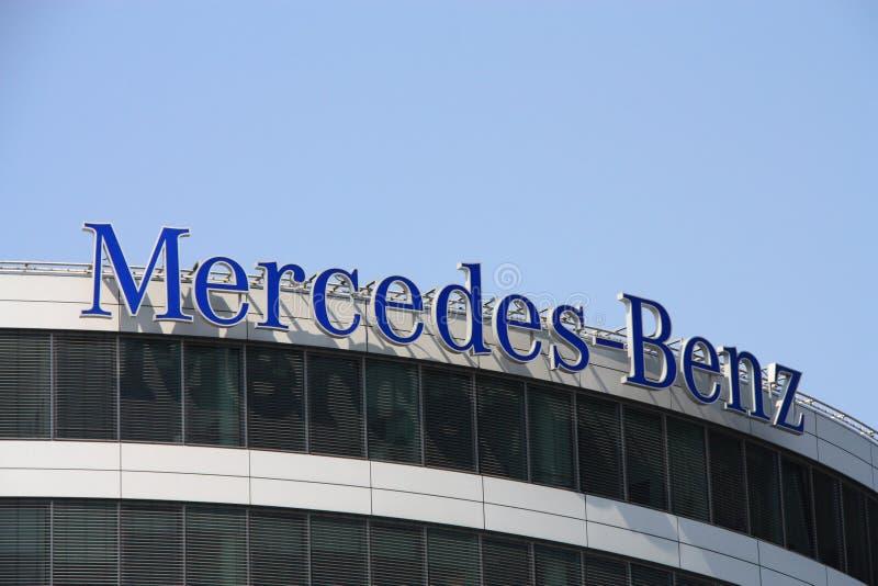 MERCEDES-BENZ lizenzfreies stockfoto
