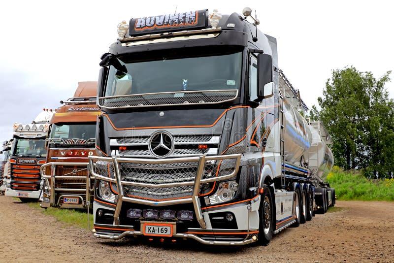 Mercedes-Benz Actros Uniq Concept Show-Vrachtwagen van Kuljetus Auvinen stock afbeelding